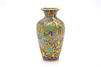 1英鎊買花瓶 竟有乾隆題詞值百萬