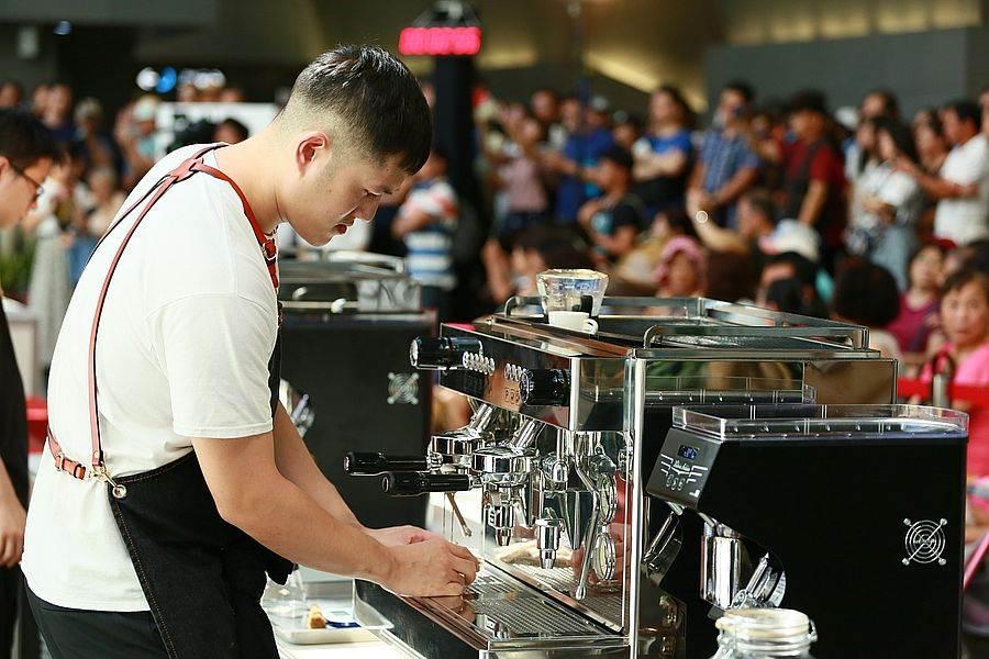 17間咖啡館角逐義式組優勝。(圖取自台北咖啡節Facebook)