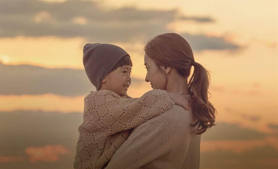 韓彩英在《與神的約定》中飾演為兒子付出一切的偉大母親。(中天提供)