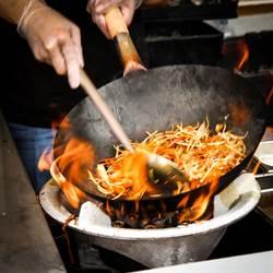 工人愛吃炒麵+豬血湯?網曝關鍵