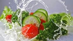 减肥只吃菜反而便秘 医:缺这个