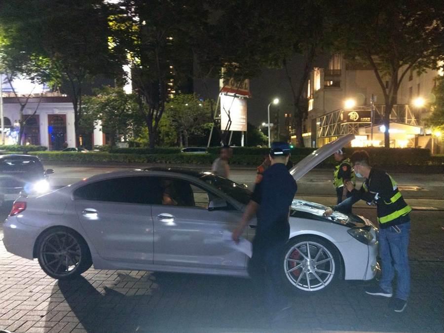為守護城市安寧,台中市警察局從9月1日擴大執行「靜城專案」,14個分局總動員、不分晝夜取締噪音車。(台中市警局提供/張妍溱台中傳真)