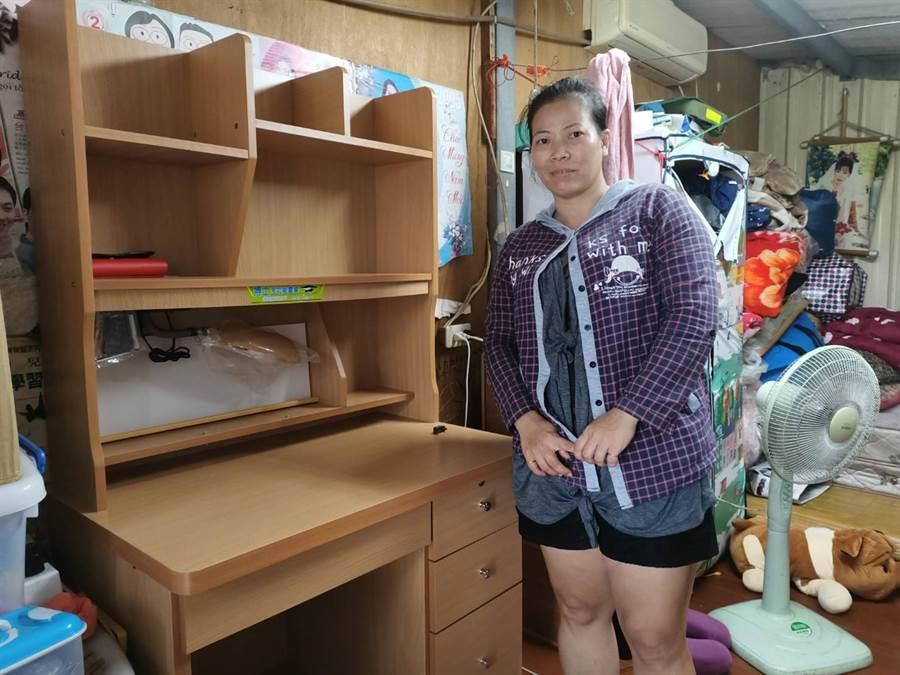 黃小妹的媽媽阮春梅感謝各界的協助與幫忙。(張毓翎攝)