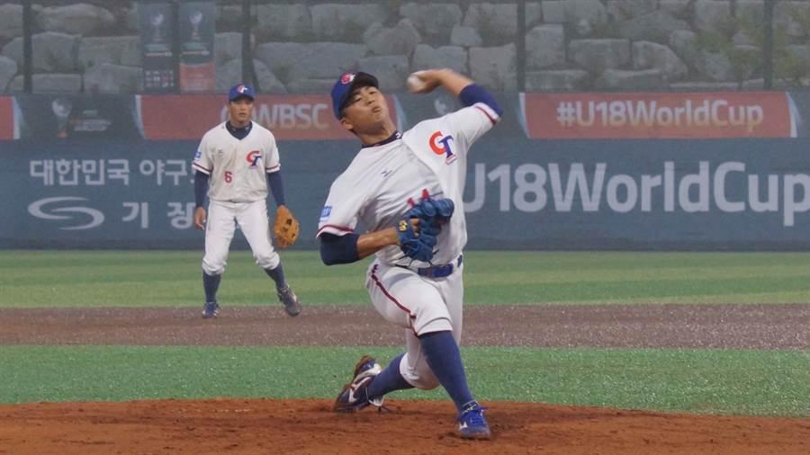 中華隊先發投手王彥程今天對日本隊表現不俗。(中華棒協提供)
