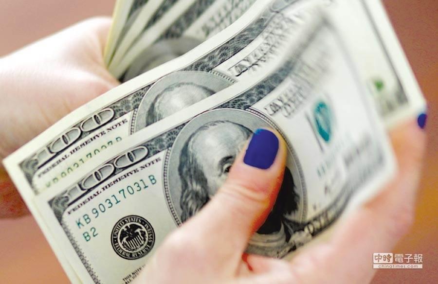 美債價格飆漲卻沒支撐點,恐成為投資人下個拋售對象。(圖/美聯社)