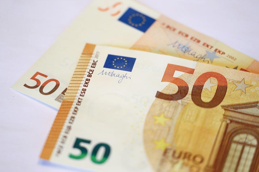 愛爾蘭與比利時曾在2016年各自售出1億歐元的100年期債券。圖/路透