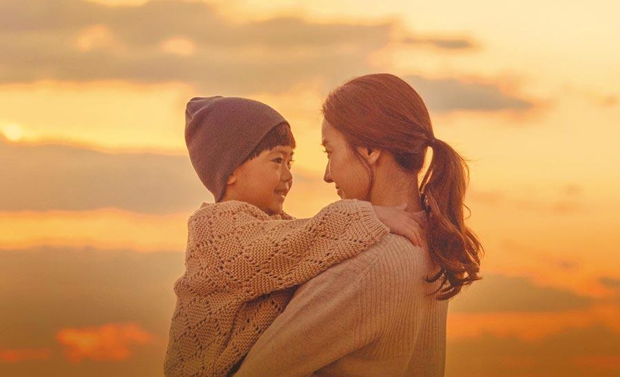 韓彩英在《與神的約定》為救罹癌的兒子付出一切。(中天提供)