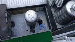 清秀女5樓陽台抽菸墜樓 幸運卡4樓獲救