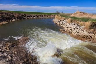 花42年蓋運河 啟用一天就潰堤
