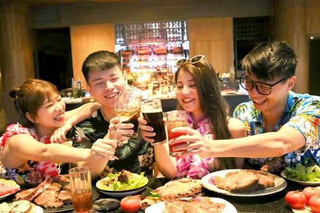 裕元花園酒店映景觀餐廳則是在12、13、14日一連3天推出沙灘露台烤肉派對。(裕元花園酒店提供/台中馮惠宜傳真)