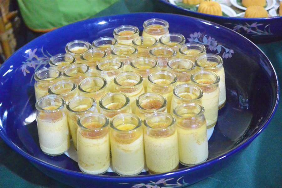 芸香布蕾運用文旦柚及鮮奶製成,外觀可愛。(巫靜婷攝)