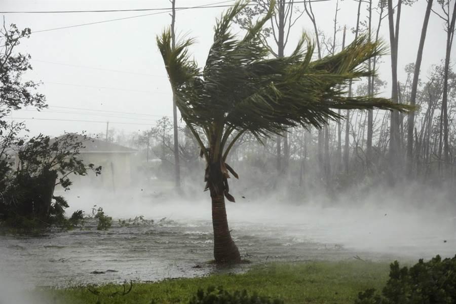 颶風多利安(Dorian)在巴哈馬群島造成嚴重災情。(圖/美聯社)