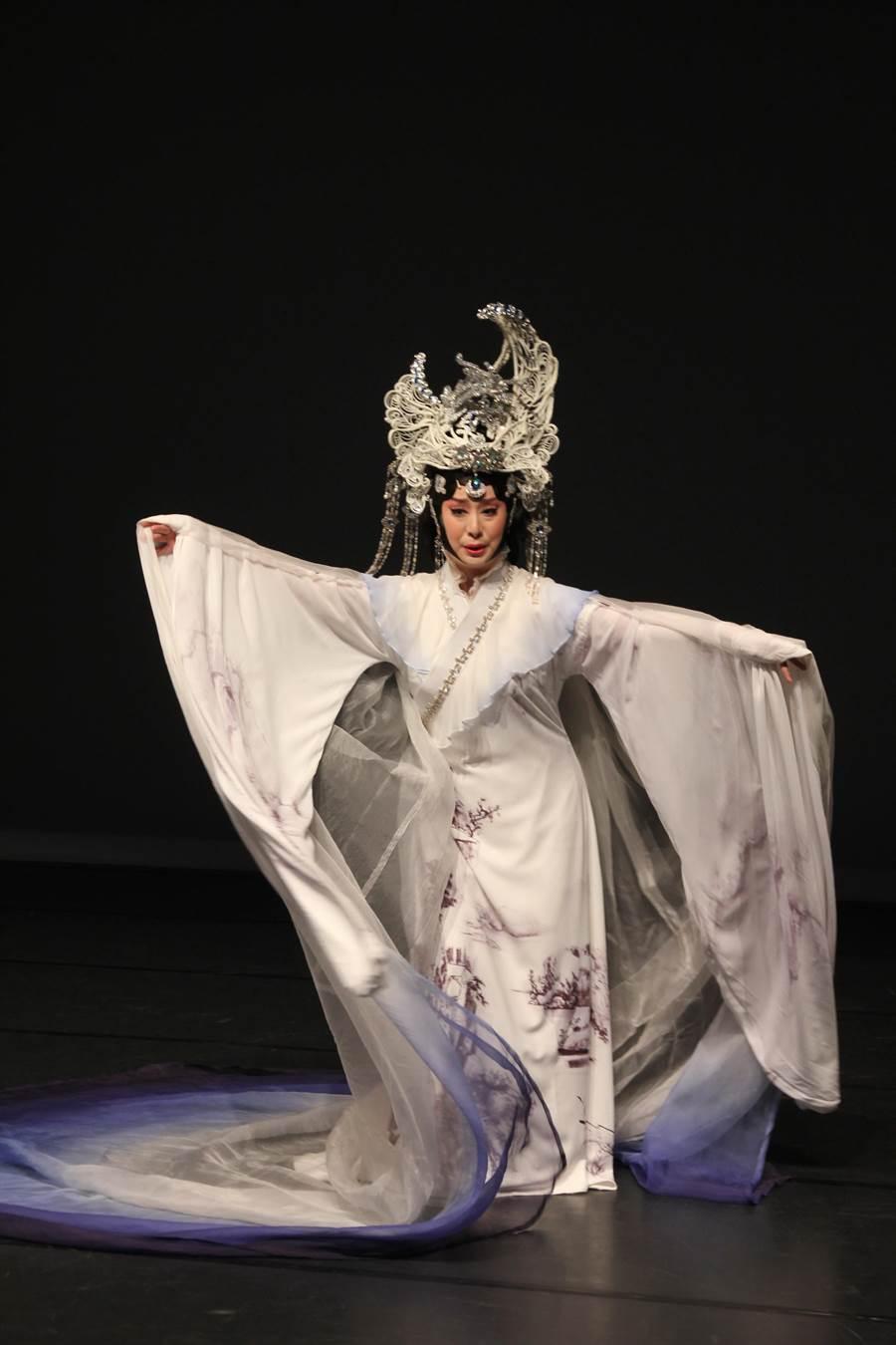 國光劇團京劇小天后黃宇琳在《快雪時晴》飾演大地之母。(陳淑芬攝)