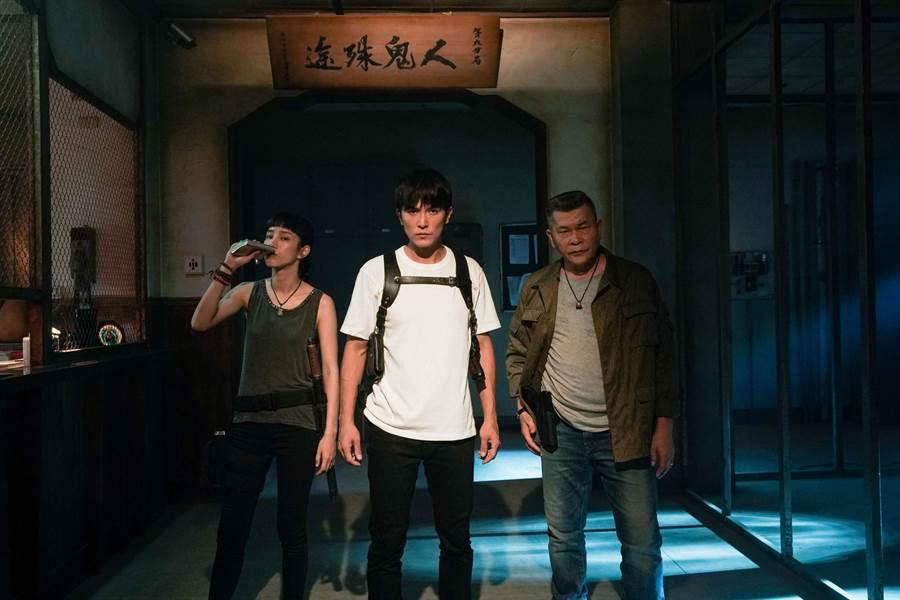 《第九分局》抓鬼小隊由澎恰恰(右起)、邱澤、溫貞菱組成。(甲上提供)