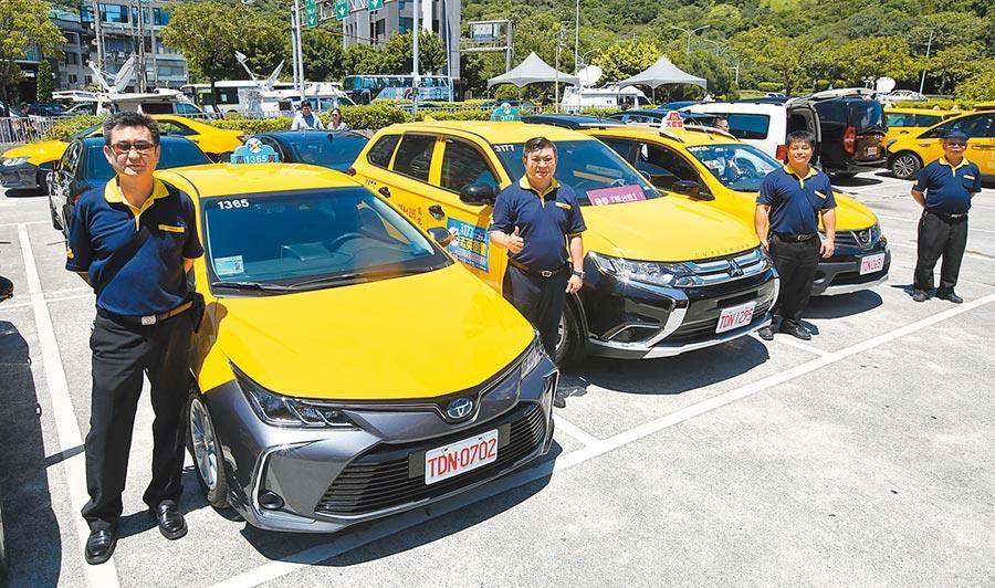 交通部今日預告修正汽車運輸業管理規則等相關法規。(王英豪攝)