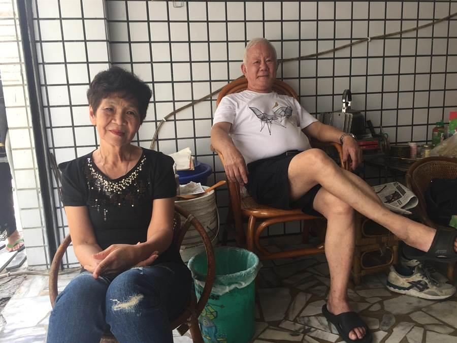 陸軍上校退伍的楊暨東與妻子馬榮光。(曹婷婷攝)