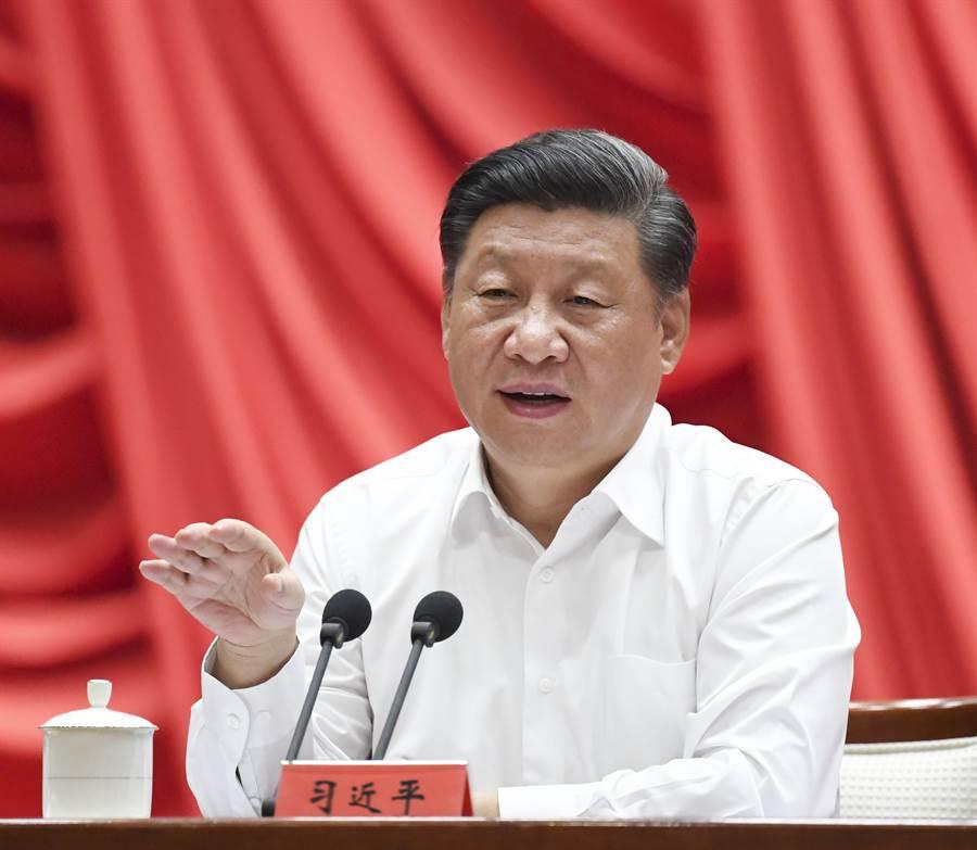 中共國家主席習近平在2019年秋季學期中央黨校中青年幹部培訓班上發表講話。(圖/新華社)