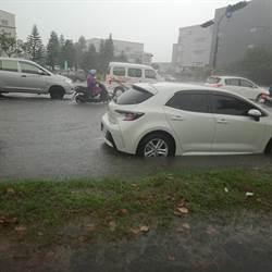 台南淹成小河!網驚呼:科工區第一次看到淹水