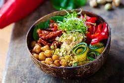 吃素缺這營養素 專家示警:會影響腦部和肝功能