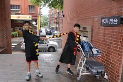 哈利波特現身新北圖書館 分類帽、巫師袍、魔杖逼真實上演