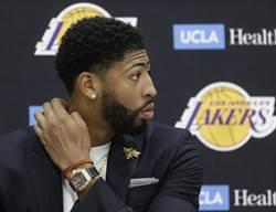 NBA》一眉哥勸湖人簽霍華 理由是?
