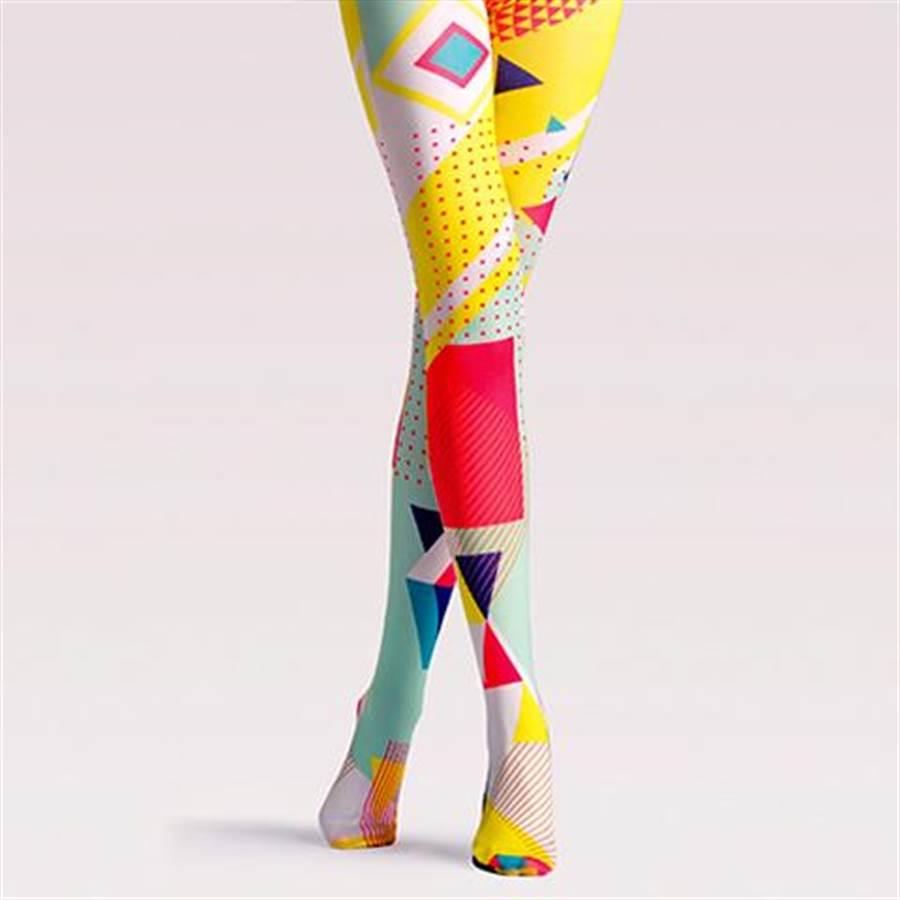 色塊創意圖案絲襪,約新台幣$410元,運費另計。(阿里巴巴提供/張雅琪傳真)