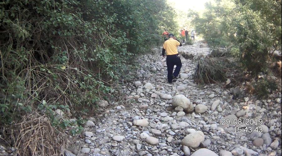 涂、范2名研究員,因不熟火炎山路徑迷失深山中,警消及山友合力搜山。(翻攝照片/巫靜婷苗栗傳真)
