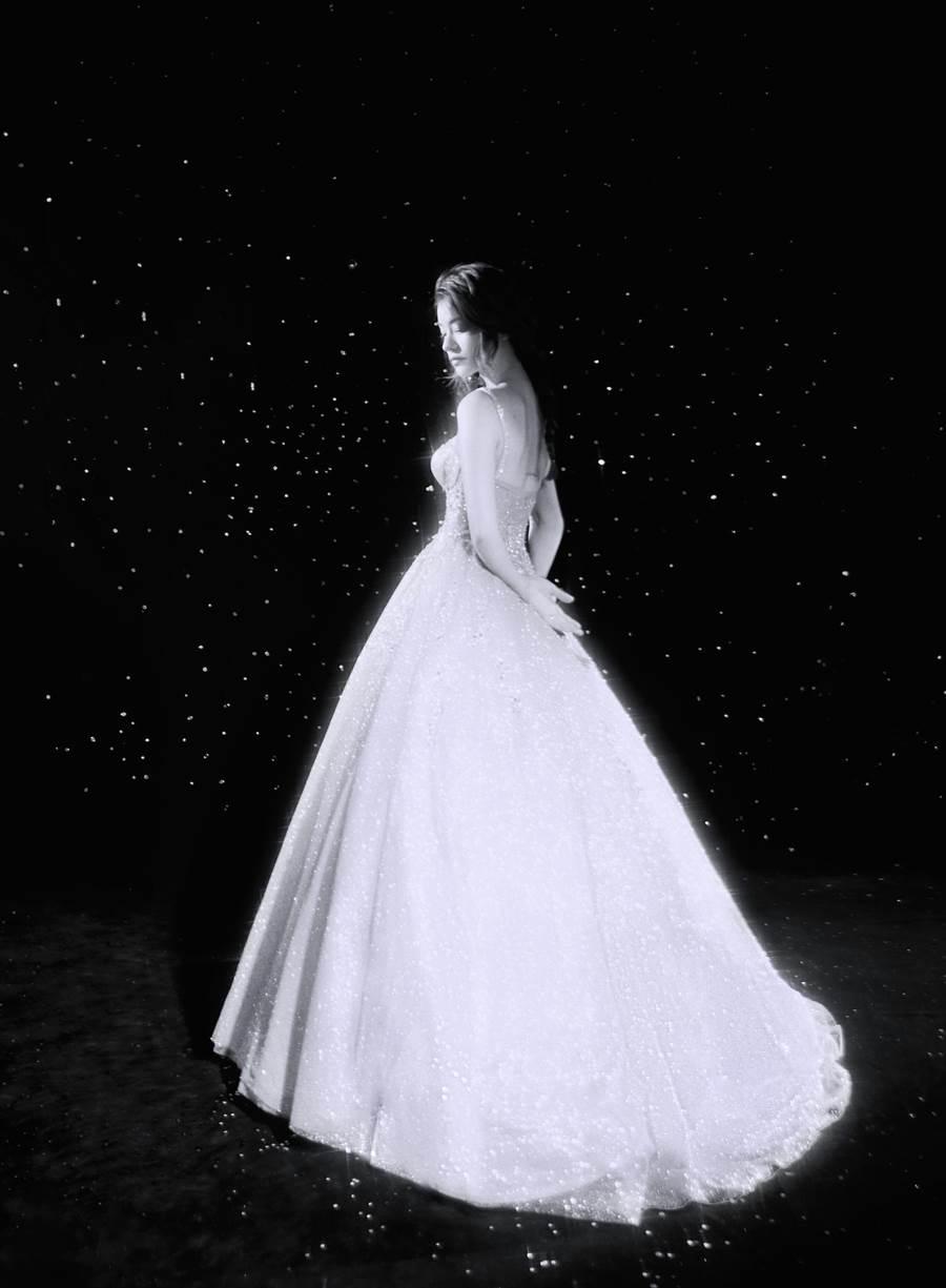 林珈安非典型婚紗照曝光。(LinLi Boutique提供)