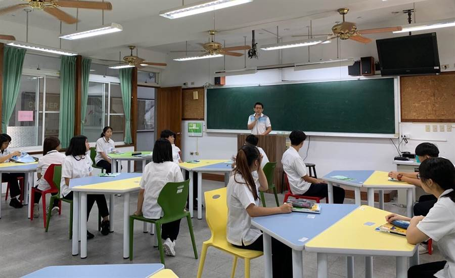 ▲暨大附中為了新課綱學生自由選修,特別建置首間智慧教室。(楊樹煌攝)