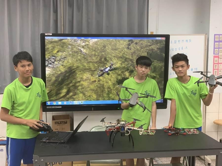 左鎮國中2016年引進無人機課程。(教育局提供/劉秀芬台南傳真)