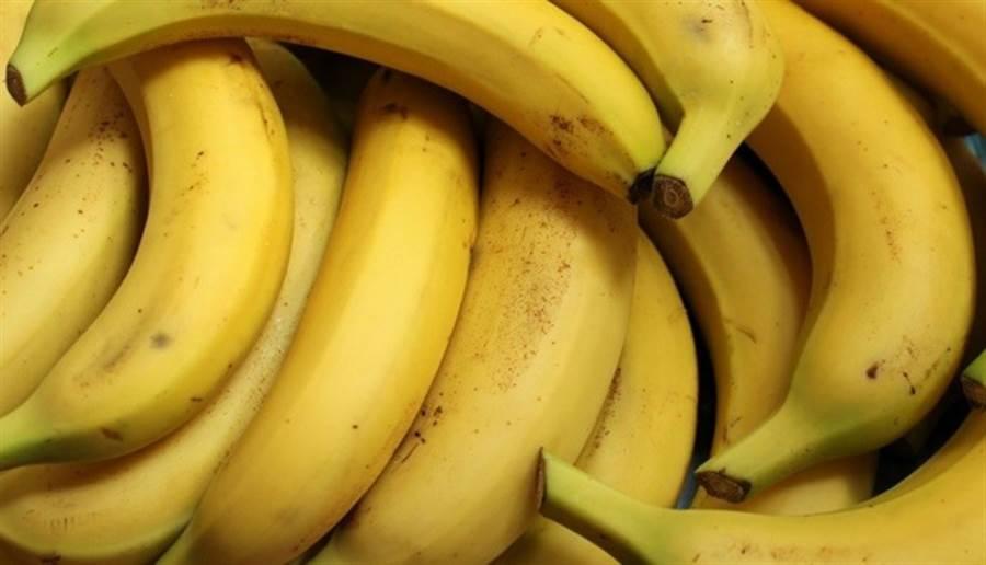 日本曾風行「香蕉減重法」,但這種單一飲食減重法可能導致營養失調、肌肉流失。(圖片來源:pixabay)