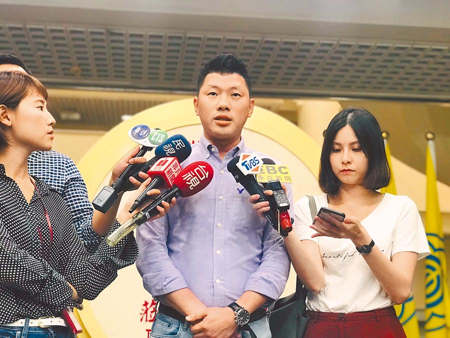 民進黨北市議員王閔生拒絕徵召選北市第八選區立委,使得人選難產。(張穎齊攝)