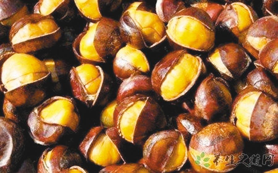 韓國生栗子,栗子有「乾果之王」的美譽,產自扶餘郡,每袋1kg、650元。      (遠百提供)