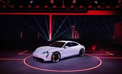 Porsche Taycan全球首演 台灣訂單超過700張
