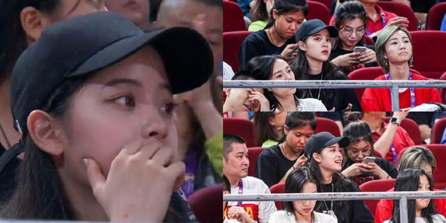 歐陽娜娜觀看球賽。(圖/微博@娛牛)