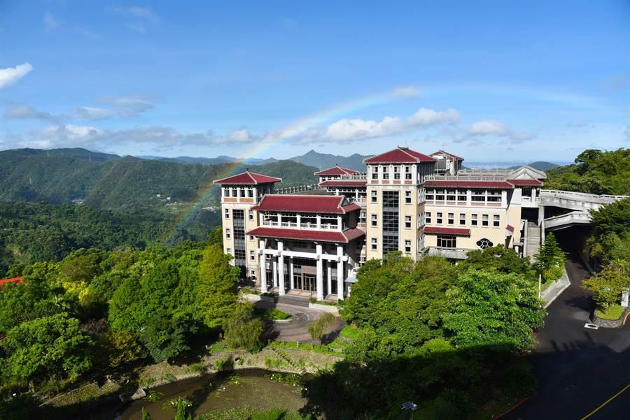 華梵大學風景。(圖/摘自華梵大學臉書)