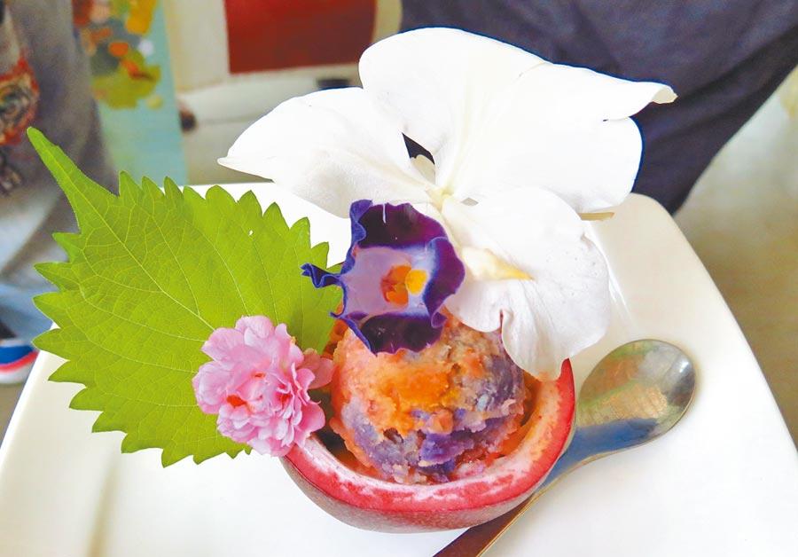 以人蝶可共食的蜜源及食草,研發出特色的蝴蝶餐飲,創造出埔里特色新料理。(楊樹煌攝)