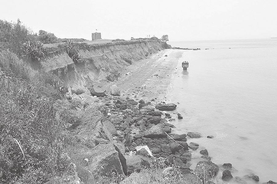 1949年「古寧頭戰役」國共決戰的北山紅土斷崖。(本報系資料照片)