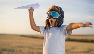 為何玩紙飛機前要哈氣?太關鍵了