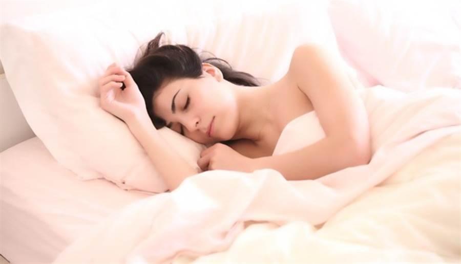 研究發現,睡眠對高血糖也有很大影響。此為示意圖。(圖/pixabay)