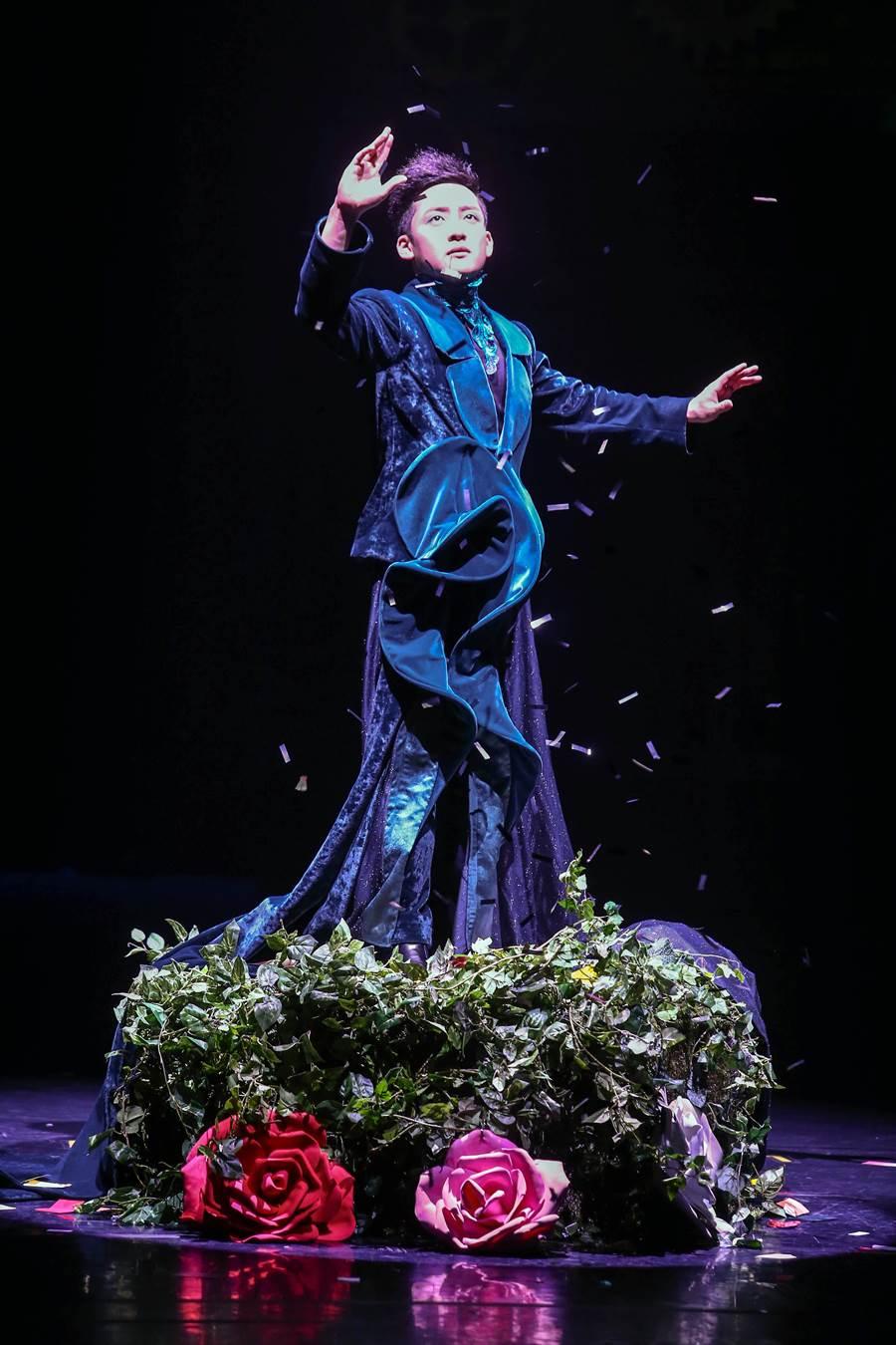 享譽國際的韓國幻真製作室來台演出《SNAP變!》,共集結7位曾獲國際大獎的韓國魔術師,以逼真的幻象、變化莫測的技法,帶給觀眾驚奇感受。(鄧博仁攝)