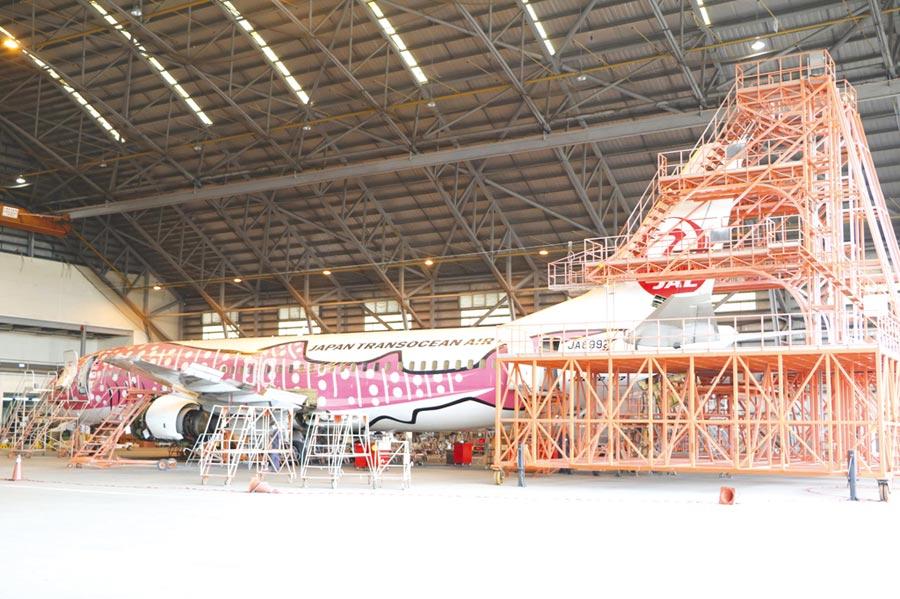 亞航的民航機維修客戶,包括日本越洋航空(Japan Transocean Air)。圖/劉朱松