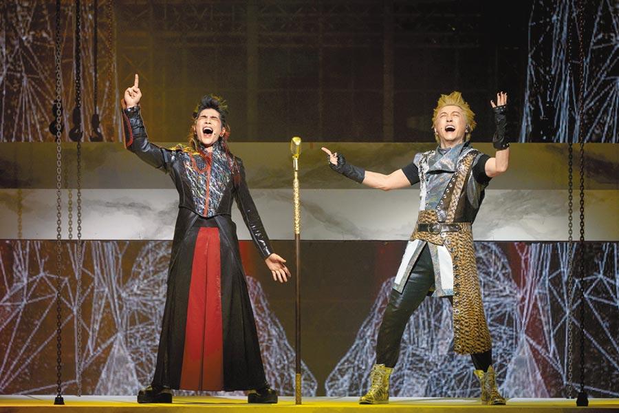哈林(右)、老蕭聯手主演音樂劇。(耳東劇團提供)