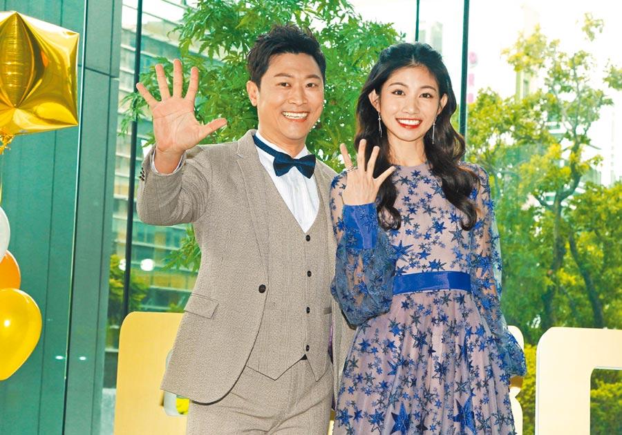 侯昌明(左)、李千那昨出席第54屆廣播金鐘獎主持人公布記者會。(三立提供)