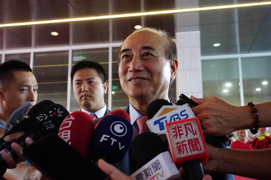 前立法院長王金平受訪表示,第三勢力不見得會弄成。媒體詢問郭台銘邀他當副手,會答應嗎?王金平「那不可能的事!」(王文吉攝)