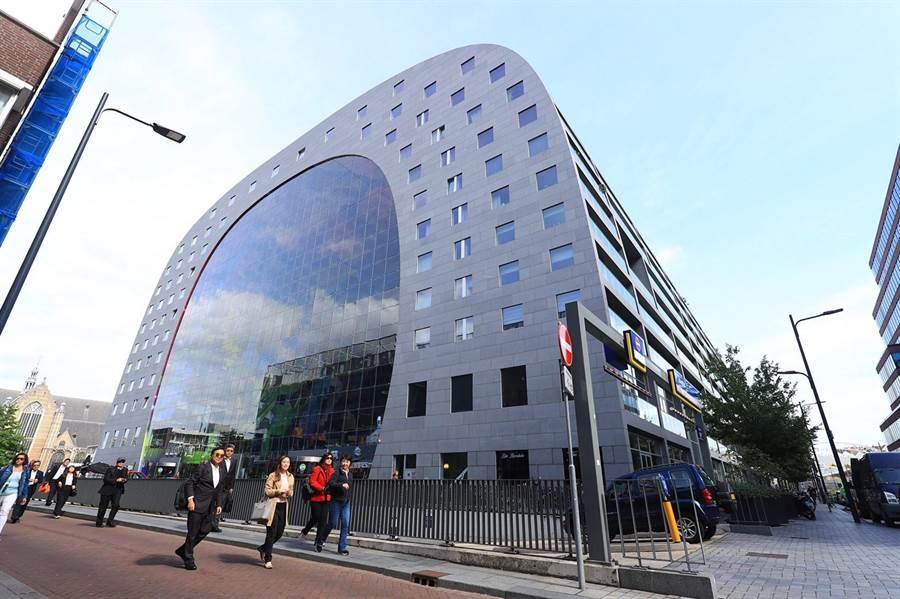 促公有市場活化,盧秀燕參訪「世界最時尚」鹿特丹拱門市場。(台中市新聞局提供/陳世宗台中傳真)