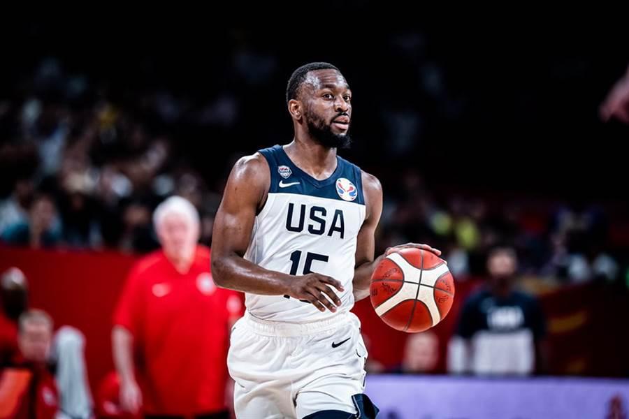肯巴沃克雖是美國隊最穩定的射手,率領球隊在世界盃拿下4連勝,但這支美國隊依舊被認為是史上最弱的夢幻隊。(摘自FIBA官網/資料照)