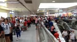 捷運站擠爆像跨年 挺韓阿姨:林祖媽跟你拚了!