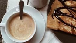 咖啡甜食是陷阱?專家曝緩解胃酸逆流吃法