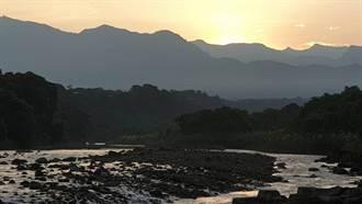 嘉義八掌溪也能看玉山日出